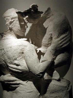 ele e ela escultura despedaçada_n